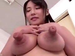 Peitos e bicos gigantes