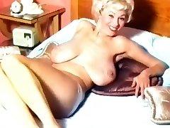 Georgia Holden- 50's Nudie Beauty
