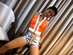Hot Chicka Filipina Demonstrating Her Tight Arse