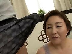 Beautiful Mom Japanese banged