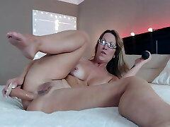 Mature ass dildo stuffed