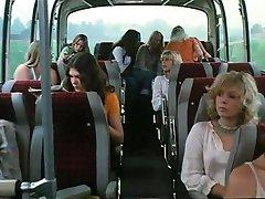 Schulmadchen-تقرير 8 (1974)