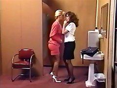 Lacy Rose & Debi Diamond : 2 Nasty Pigs - 1 Cord On