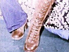 Linda Lovelace 8mm Loop - Open pussy, slam foot!