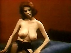 MRS ROBINSON - vintage nylons pantyhose striptease fat boobs