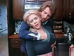 idealna busty blondynka mama i młody sąsiad
