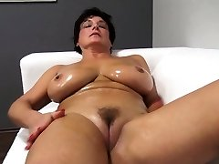 Lovely ma lubricates up and plumbs Jane from dates25com