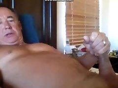 str8 horny dad spunks