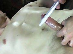 Straight amateur jock cums when massaged