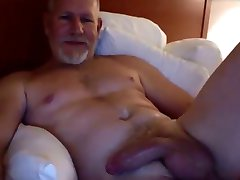 Muscle dady with fleshlight and dildo