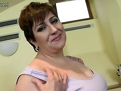 Horny mature Plus-size mom luvs to play alone