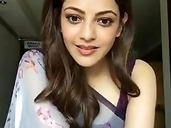 Kajal Aggarwal Flashing Armpits and Bumpers in Sleeveless Saree