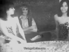 Man Fucks two Fabulous Chicks (1950s Vintage)