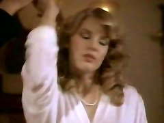 Retro guy fucks jaw-dropping blond Shauna Grant in bed