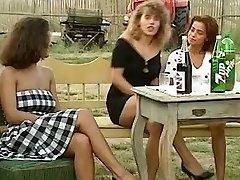 Angelica Bella and Simona Valli in Retro Group Screw