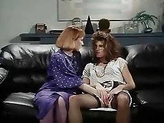 Retro Office Lesbos