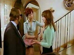 Kinky housewife gives head to her naughty neighbor