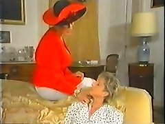 Retro Mature French Mummy enjoys going knuckle deep