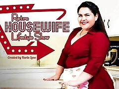 MODEL TIME Karla Lane's Retro Housewife Lifestyle