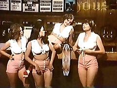 Super-hot & Saucy Pizza Girls (1979)