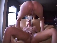 Lesbo Squirts