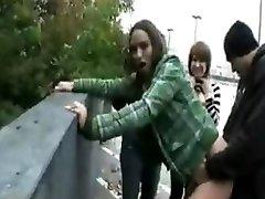 emo dívky kurva na ulici