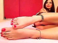LEONAS WEBCAM FEET