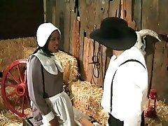 Amish farmář annalizes černou služebnou