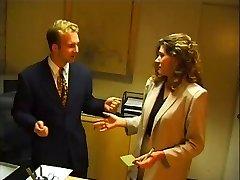 Boss's Sekretářka kurva černá dotazovaný