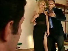 Papa - Nice blondie gets double pounded