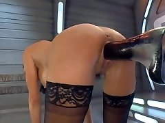 Squirting Orgasm on a Penetrating Machine