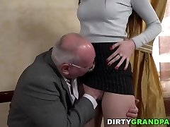 Old prof seduces junior college girl Anya Krey