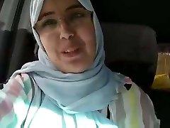 Hijab mom backside dounia blemasass