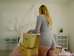 Alexa Mercy In Moving Day