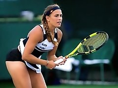 Tennis player has her panties unveiled during her matches
