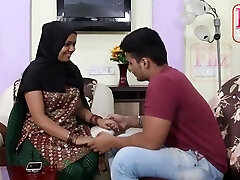 Indian maid, Bhabhi is often having fucky-fucky with her employers son-in-law instead of doing her job