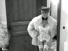Cougar Milf in Nylons Garter Belts High Heel Pumps Furs Anal