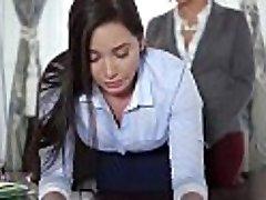TeenCurves - Keisha Hall Fucks Alistuvad Sekretär Karlee Hall