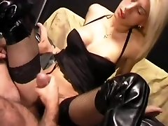 Blondie shemale fapping cum onto her belly - Pandemonium