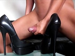 My huge cumshot on fetish platform Stilettos