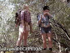 DECEPTION - An Glamour Mind-Fuck Thriller