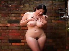 Hotty sexy babeTakes A Bathroom - PORNCAMLIFE COM