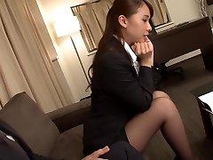 Vapustav Jaapani tüdruk Yui käitumispõhise internetireklaami puhul Hull fingering, sukad JAV video