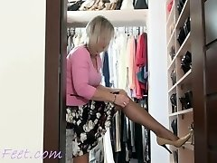 Ala nylon and high-heels