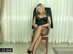 cougar showed her black panties
