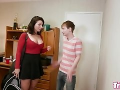 Trickery - Buxom PAWG Ivy Labelle tricked into hook-up