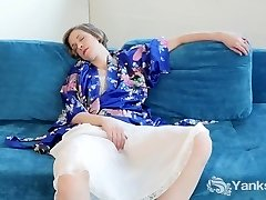Cutie Carmen Fapping Upskirt