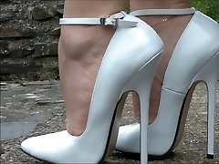 Mega High Heels Outdoor