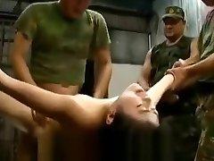 ujetih japonk, zlorabljenih in pretepenih od vojakov