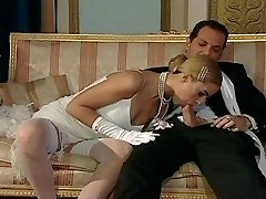 Italian blond diva has enrapturing sex